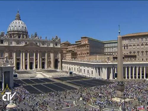 Vaticano: «Fomos criados para amar e ser amados» – Papa Francisco
