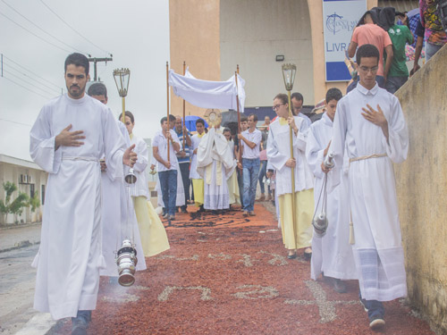CORPUS CHRISTI: Tradicionais tapetes celebram Jesus Eucarístico e os 300 anos de Aparecida