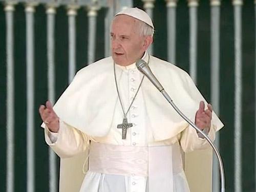 Papa na audiência: 'Os santos compartilharam as nossas lutas'